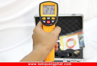 Hình ảnh Máy đo nhiệt độ hồng ngoại DT2200